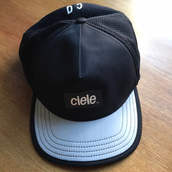 Ciele Athletics Other - Ciele Athletics TRL Cap Trucker Running Hat a65ccfd1da1